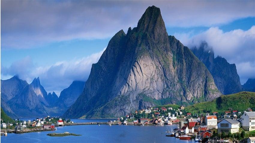 Reine-Norway (850 x 479)